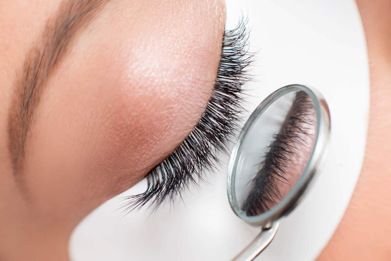 Kim Kardashian eyelash extensions. Famous lash style.
